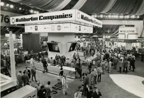 1976_Exhibit Floor_HouChron b
